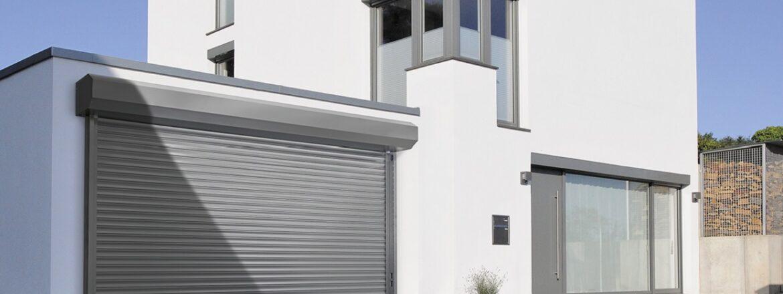 Porte de garage à enroulement intérieur